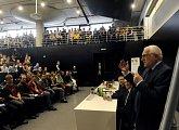 Prezident při diskusi se studenty ČVUT