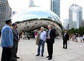 """S velvyslancem Gandalovičem u známé chicagské """"fazole"""""""