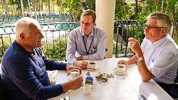 Setkání prezidenta s Thilo Sarrazinem v hotelovém komplexu Hyatt