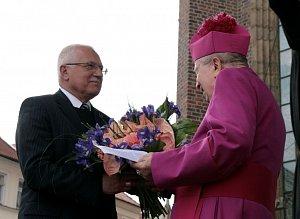 Prezident gratuluje otci arcibiskupovi Otčenáškovi k 90. narozeninám