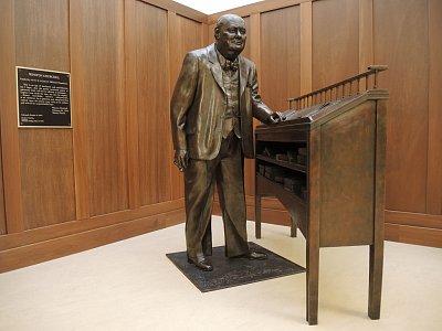 Další z idolů Hillsdale College – Winston Churchill