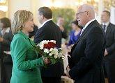 Přivítání ministryně zahraničí Spojených států Hillary Clintonové