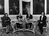 Poslední společná fotografie manželů Kaczyńských s českým prezidentským párem