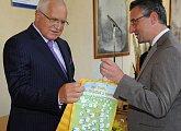 Blahopřát přišel i evropský konzervativec a reformista Jan Zahradil