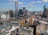 Pohled na Melbourne z 33. patra hotelu