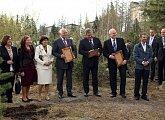 Zasazení pamětních stromů u Štrbského plesa