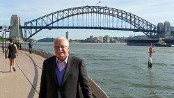 Harbour Bridge v Sydney